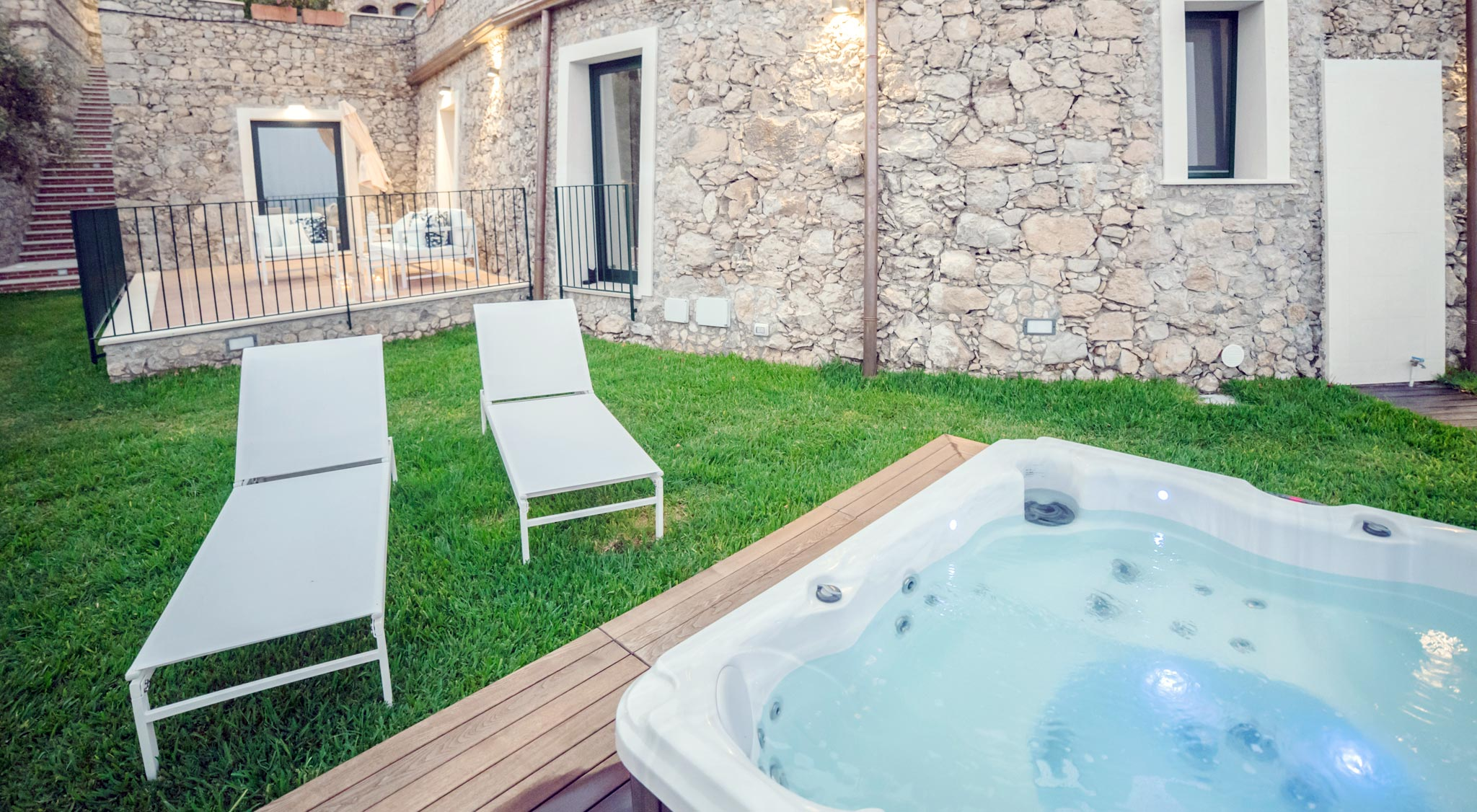 Luxury Suite Ulivo - Private terrace and Jacuzzi